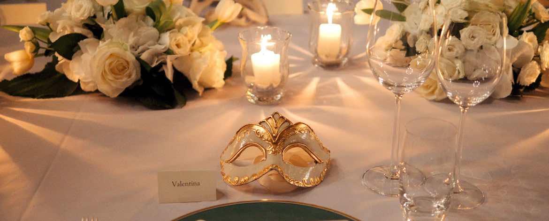 Dettaglio maschera allestimenti matrimonio Hotel Luna Baglioni