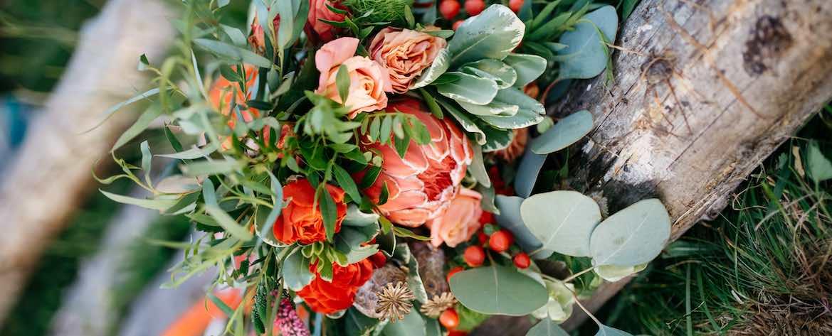 bouquet fiori e foglie