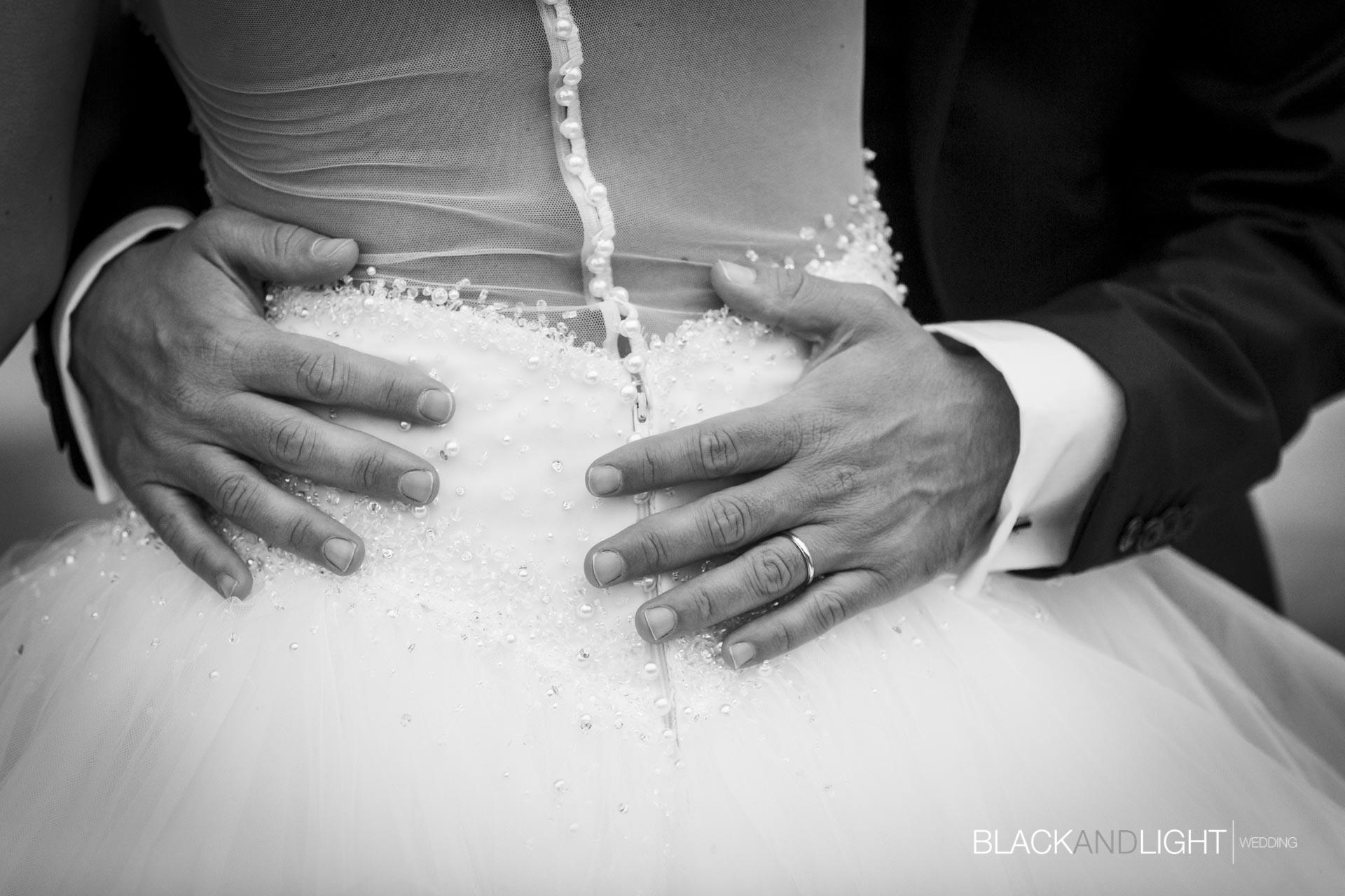 Dettaglio Mani Sposo